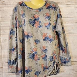Maurices Gray Floral Top